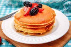 Banana Oatmeal Protein Pancakes